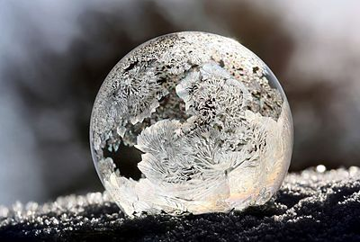 400px-Frostedbubble2