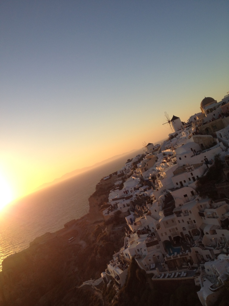 SUNSET IN OIA.jpg